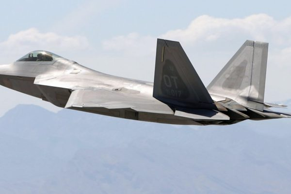 Watch-the-f-22-in-action