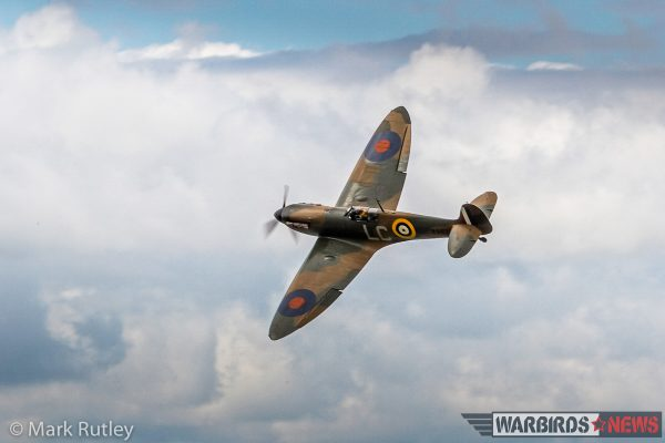 Spitfire vs BF109 Dogfight HD