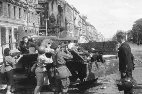 War on the Eastern Front - The Siege of Leningrad Documentary