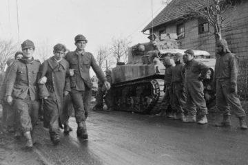 M4 Sherman Tank - Crew tell how Shocking it was