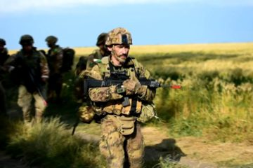 US and Italian Soldiers Prepare for Swift Response