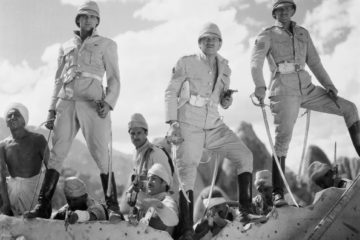 British army sergeants Ballantine (Douglas Fairbanks Jr.), Cutter (Cary Grant) and MacChesney (Victor McLaglen) serve in India during the 1880s,