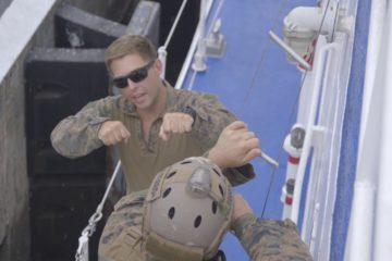 US Recon Marines Exchange Tactics